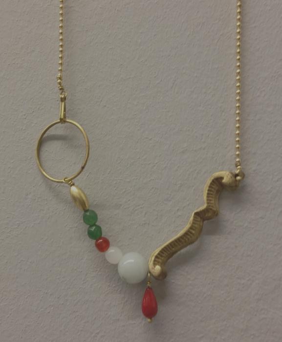 collar-latonta ylarubia