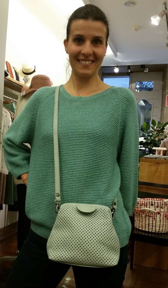 bolso-cyan & jersey-Nice Things