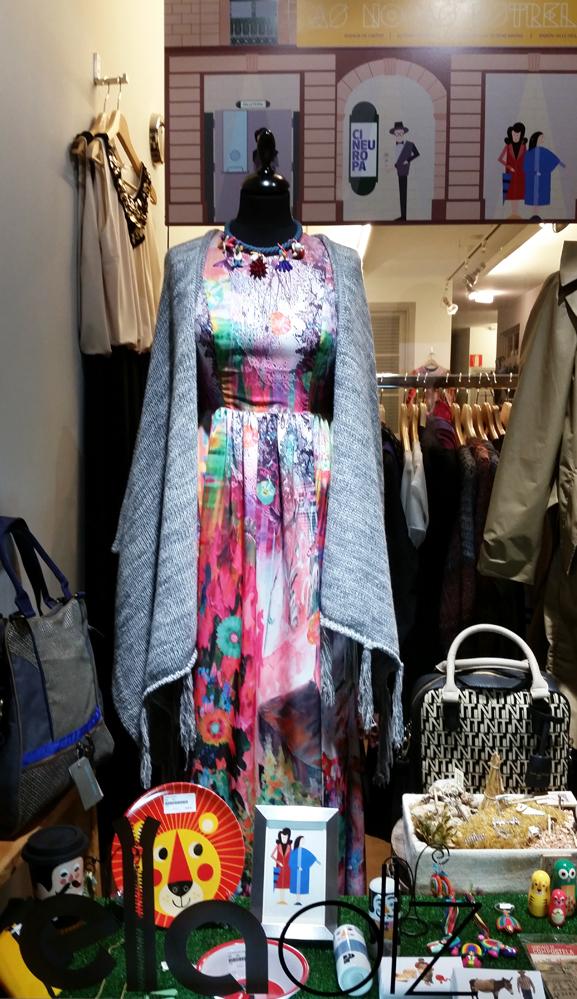 poncho-the extreme collection & vestido-mónica cordera-ela diz