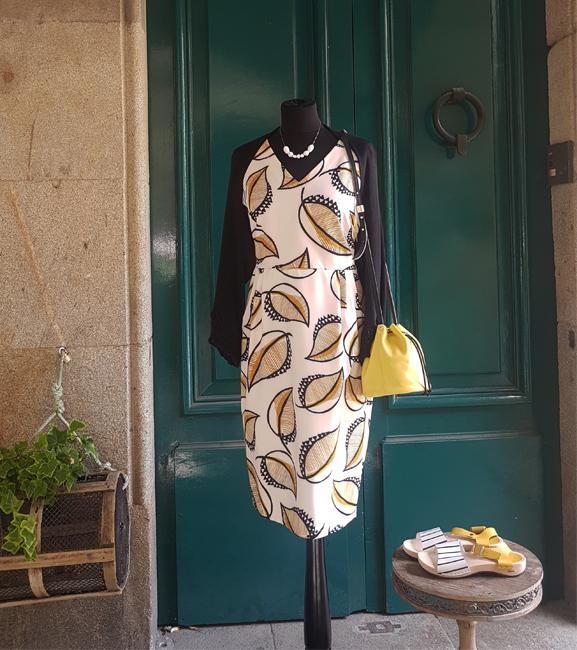 vestido-bolero-bolso-sandalias-colgante