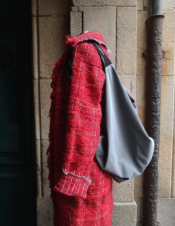 abrigo e bolso mochila