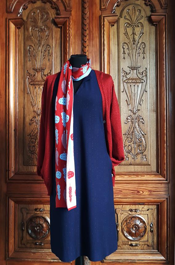 vestido-chaqueta-bufanda-porta-rebaixas